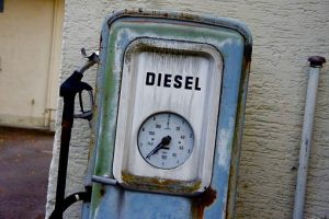 old-gas-pump-221835__340 (1)